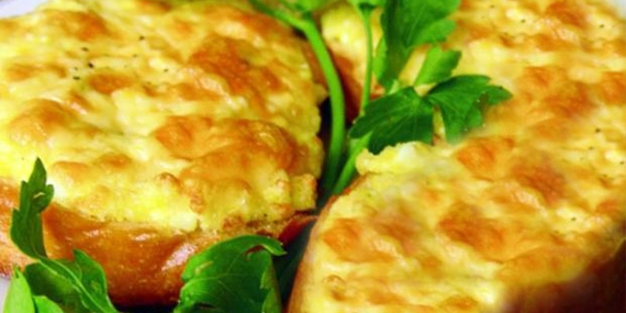 Гренки с плавленым сыром