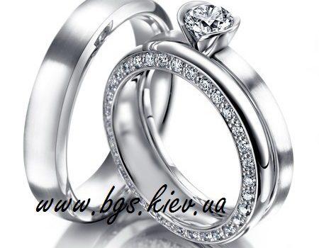 Обручальные кольца с бриллиантами: традиционность и современность