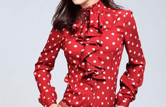 Особенности выбора женской блузки